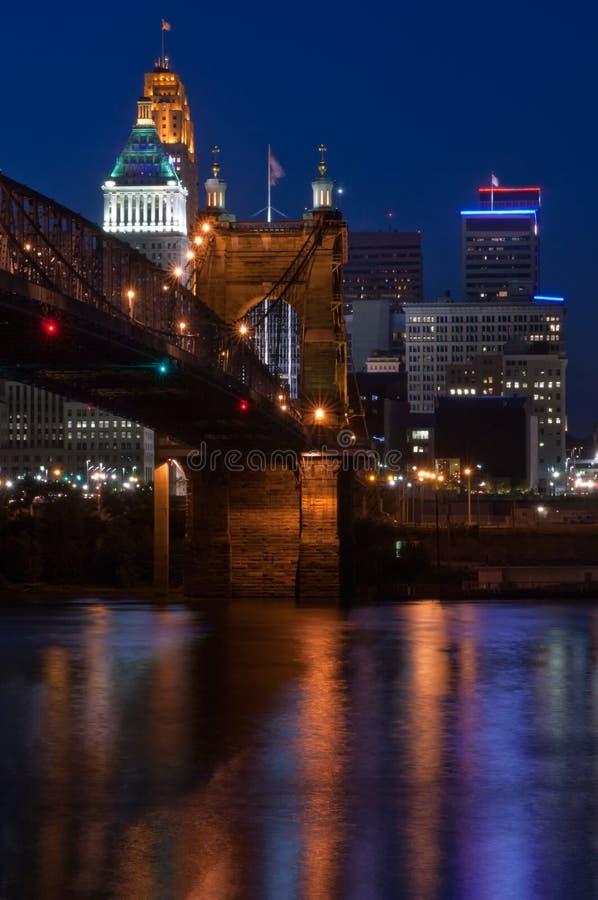Puente de suspensión de Roebling y Cincinnati foto de archivo libre de regalías