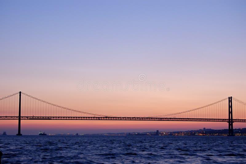 Puente de suspensión viejo, Lisboa imagen de archivo libre de regalías