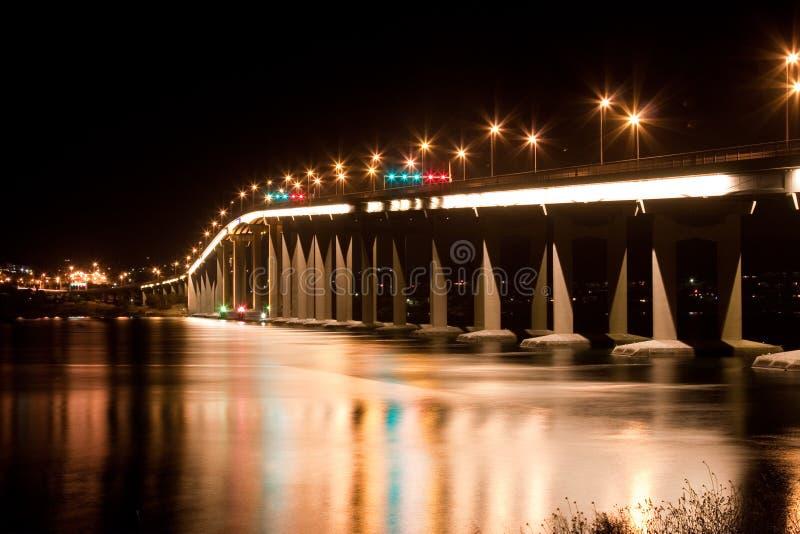 Puente de Tasman en la noche fotos de archivo libres de regalías