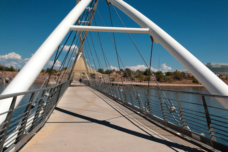Puente de Tempe Town Lake Pedestrian Suspension foto de archivo