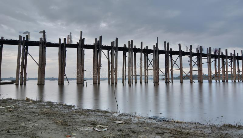 Puente de U Bein en la oscuridad Amarapura Región de Mandalay myanmar fotografía de archivo