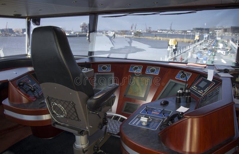Puente de un buque de petróleo foto de archivo