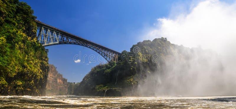 Puente de Victoria Falls fotos de archivo