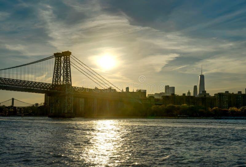 Puente de Williamsburg del World Trade Center de Mahatten del horizonte de Nueva York imagenes de archivo