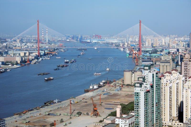 Puente de Yangpu y río de Huangpu, Shangai fotografía de archivo libre de regalías