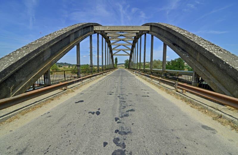 Puente del arco fotografía de archivo libre de regalías