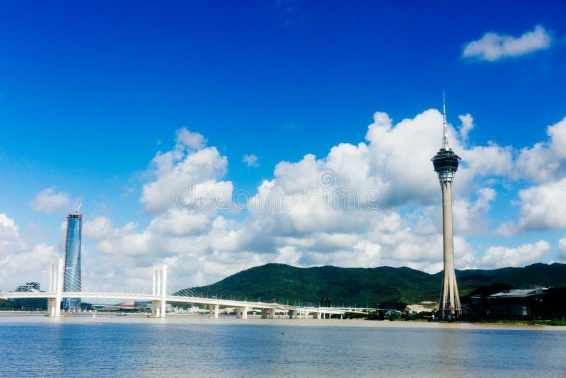 Puente del convenio y de Sai Van de la torre de Macao imagen de archivo