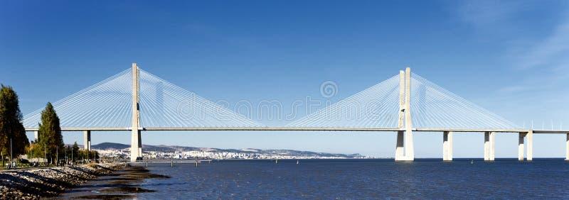 Puente del Gama de Vasco DA en Lisboa foto de archivo