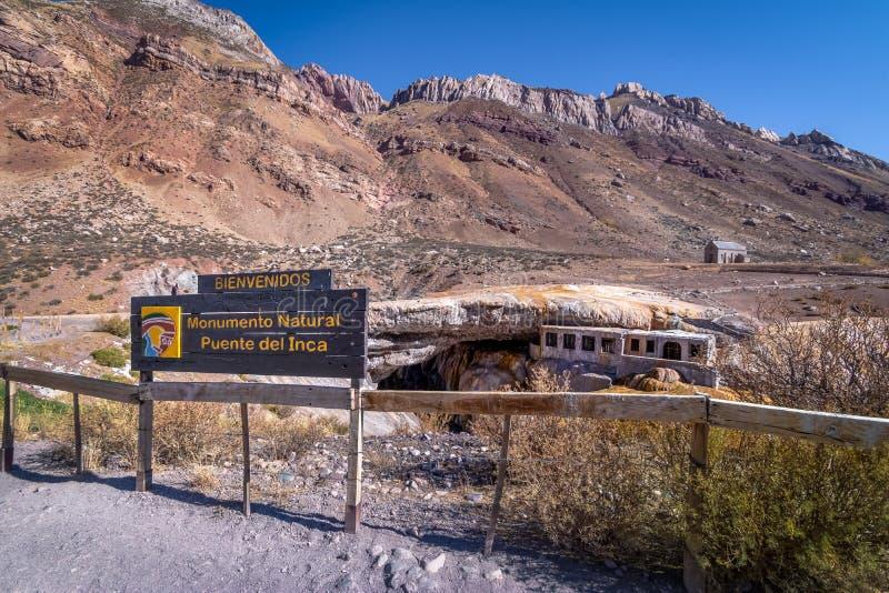 Puente del Inca eller Inca Bridge nära Cordillera de Los Anderna - det Mendoza landskapet, Argentina royaltyfri foto