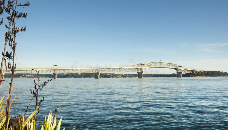 Puente del puerto de Auckland. fotografía de archivo