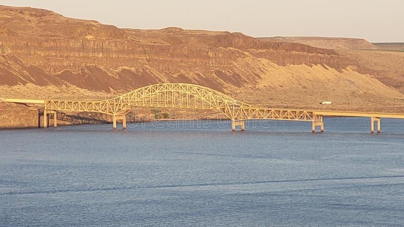 Puente del río Columbia en ventajoso, WA fotos de archivo libres de regalías