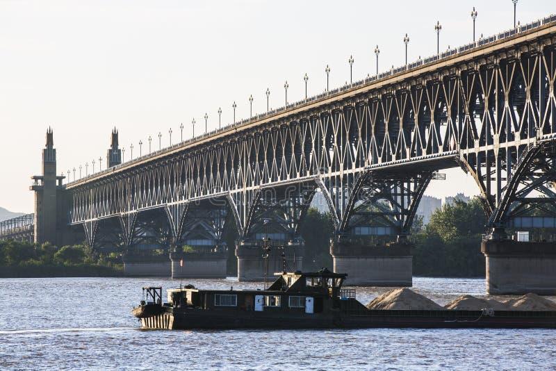 Puente del río de Nanjing Yangtze imágenes de archivo libres de regalías