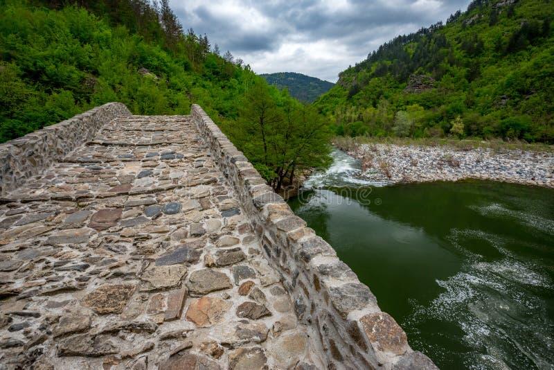Puente del ` s del diablo, Ardino, Bulgaria imagenes de archivo
