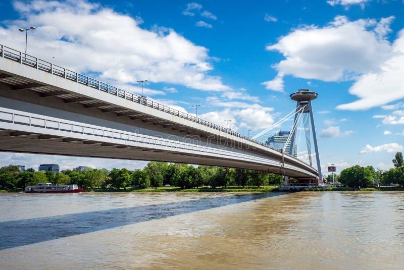 Puente del UFO en Bratislava, Eslovaquia imagen de archivo libre de regalías