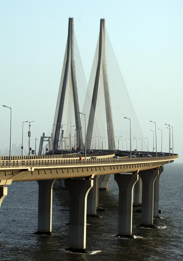 Puente del vínculo del mar de Bandra Worli de Bombay imagen de archivo
