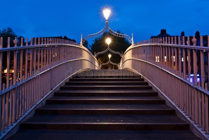 Puente Dublín del medio penique fotografía de archivo libre de regalías