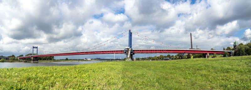 puente Duisburgo Alemania del ebert de Friedrich imágenes de archivo libres de regalías
