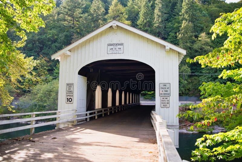 Puente el condado de Lane, Oregon de Goodpasture fotos de archivo