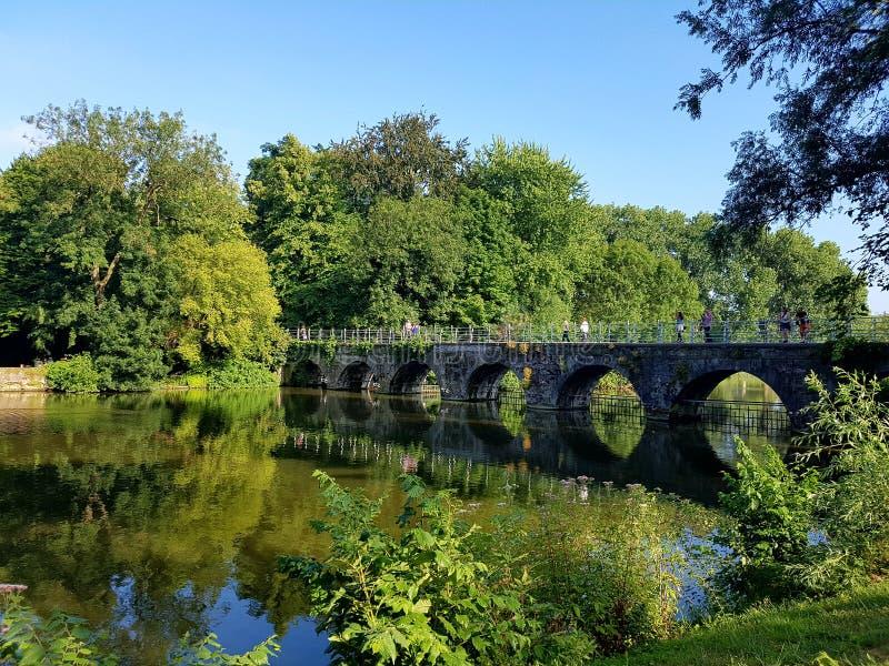 Puente en Brujas imagenes de archivo