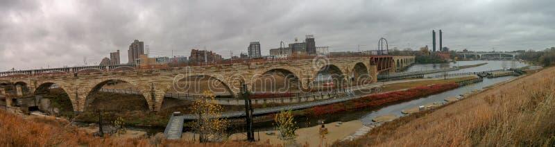 puente en imagen del panorama de Chicago fotos de archivo libres de regalías