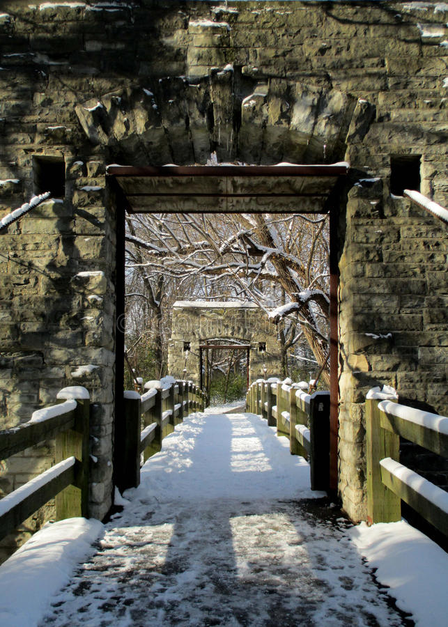 Puente en invierno foto de archivo libre de regalías