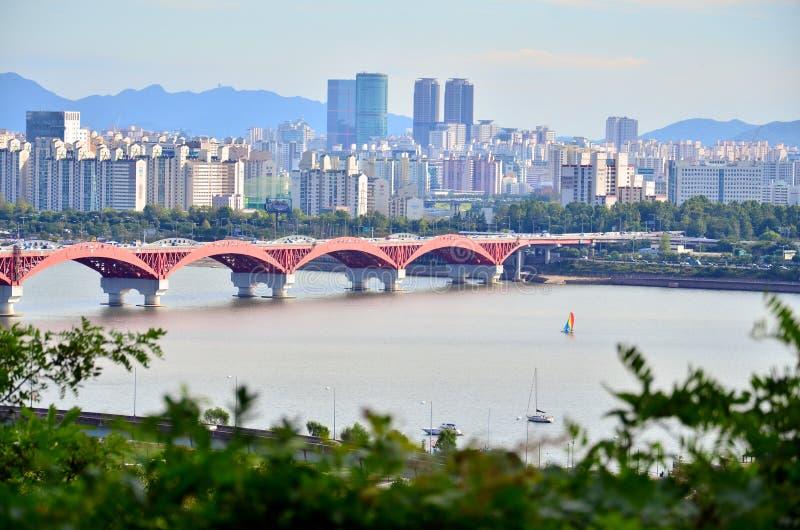 Puente en la ciudad de Seul fotos de archivo libres de regalías