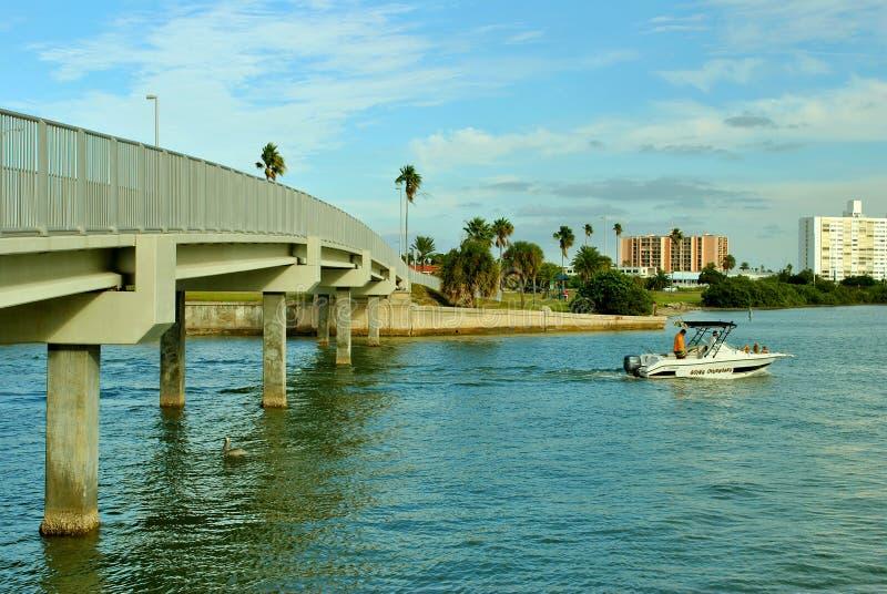 Puente en la playa de Clearwater foto de archivo