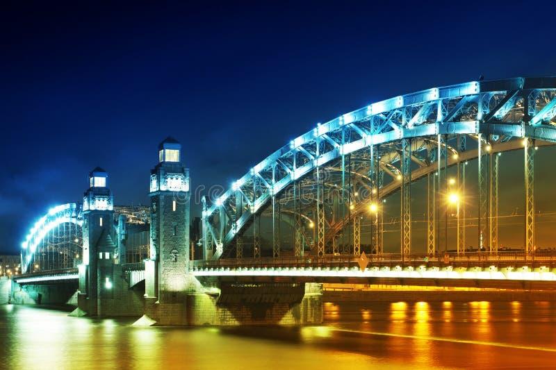 Puente en noche del resorte imagen de archivo libre de regalías