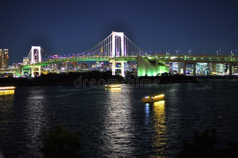 Puente en Odaiba, Tokio, Japón del arco iris fotografía de archivo libre de regalías