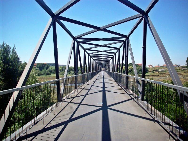 Puente en perspectiva imagenes de archivo