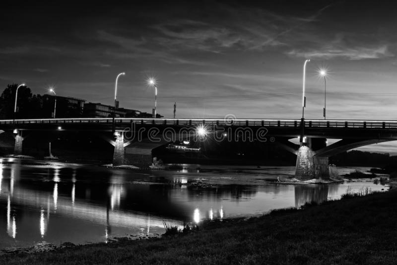 Puente en Uzhgorod imagen de archivo