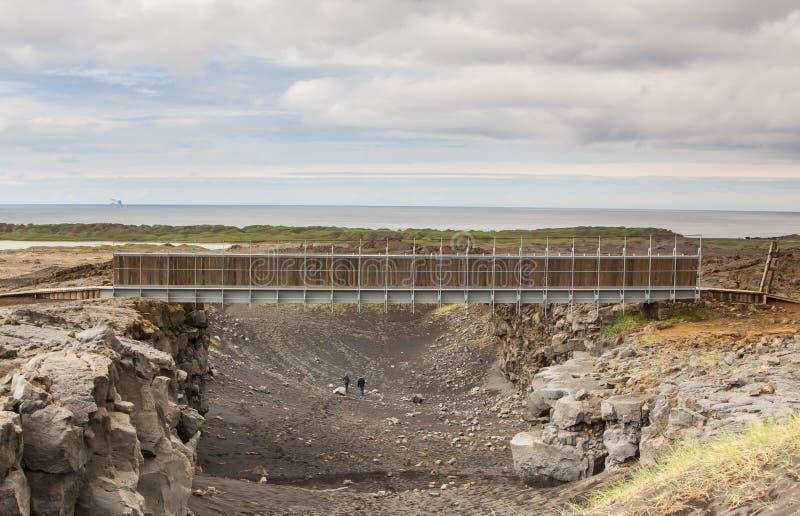 Puente entre los continentes, Islandia fotografía de archivo