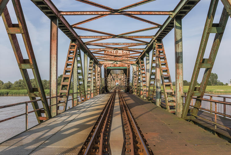 Puente Friesenbrucke cerca de Weener en Alemania imágenes de archivo libres de regalías