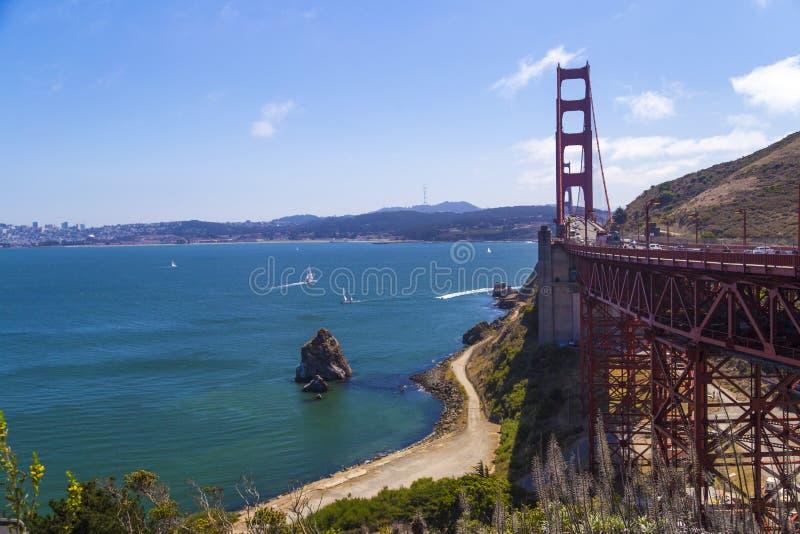 Puente Golden Gate, San Francisco, California, los E.E.U.U. durante un día soleado limpio foto de archivo