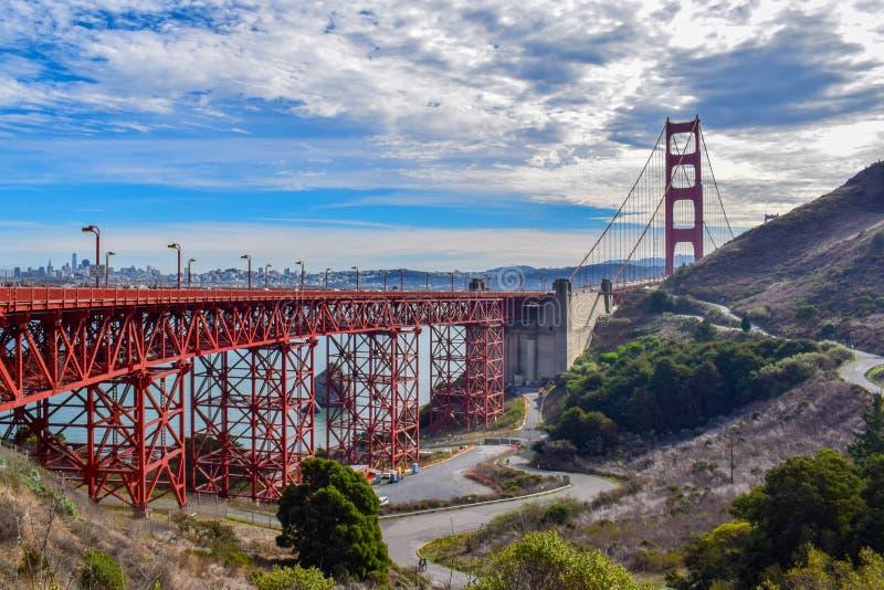 Puente Golden Gate y San Francisco Cityscape de Marin Headlands imagenes de archivo