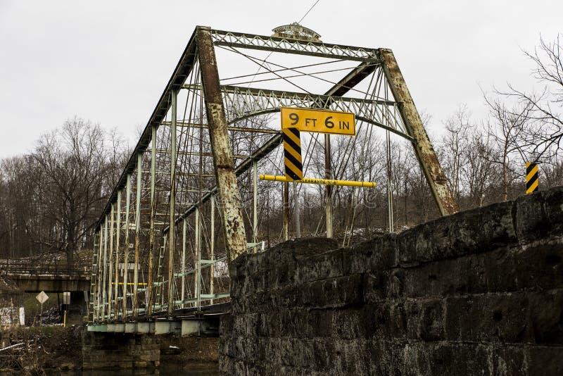 Puente histórico del molino de los Pollocks - Pennsylvania rural fotografía de archivo libre de regalías