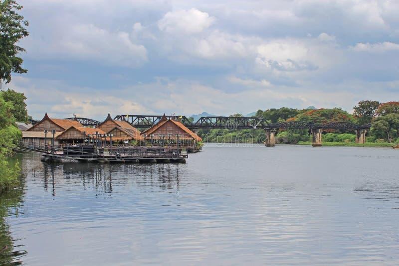 Puente histórico sobre el río Kwai, el ferrocarril de la muerte imágenes de archivo libres de regalías