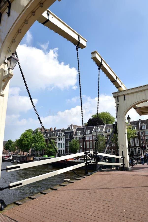 Puente holandés en Amsterdam fotografía de archivo libre de regalías