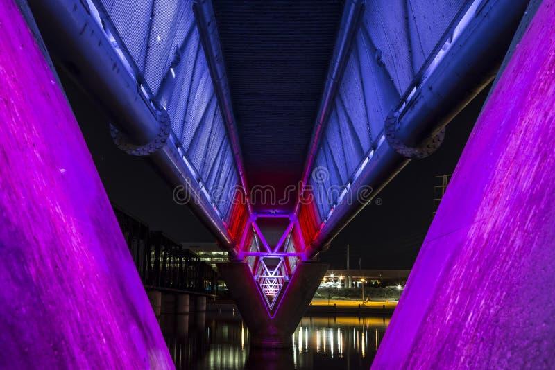 Puente iluminado foto de archivo