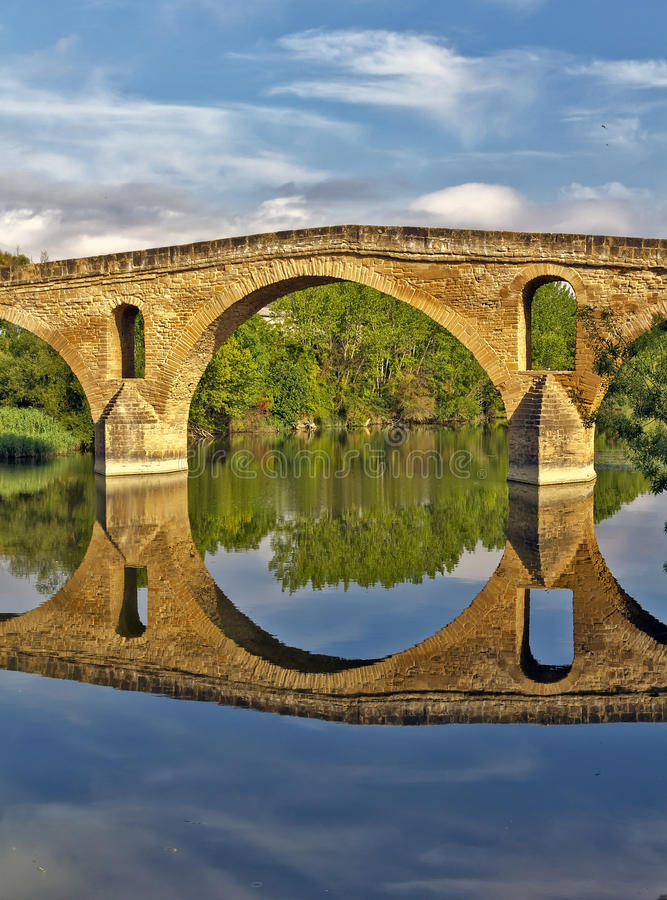 Download Puente La Reinabrücke, Navarre Stockfoto - Bild von draußen, mittelalterlich: 26365092