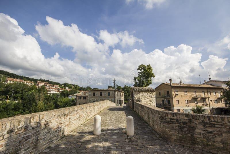 Puente medieval viejo imagen de archivo libre de regalías