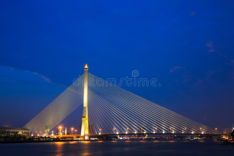 Puente mega en Bangkok, Tailandia (puente de Rama 8) fotografía de archivo libre de regalías