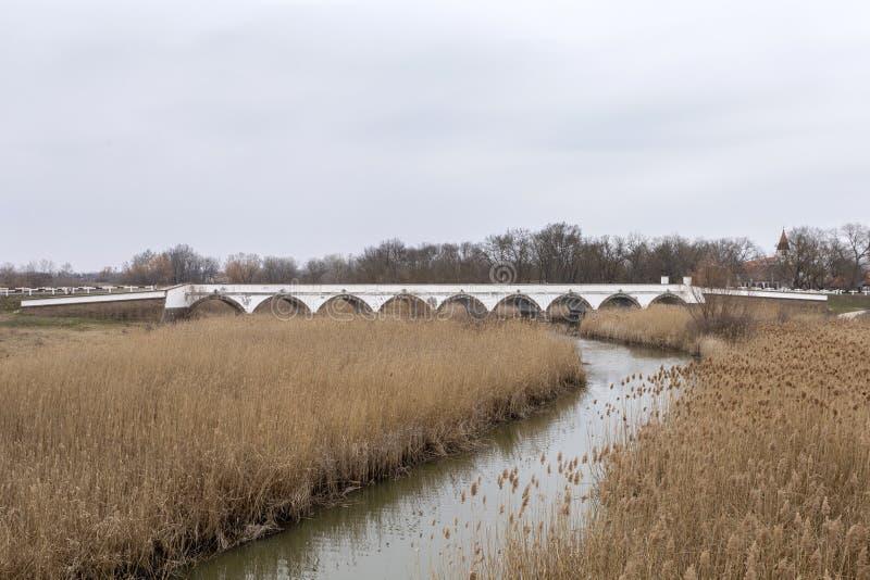 puente Nueve-agujereado en Hungría imagen de archivo libre de regalías