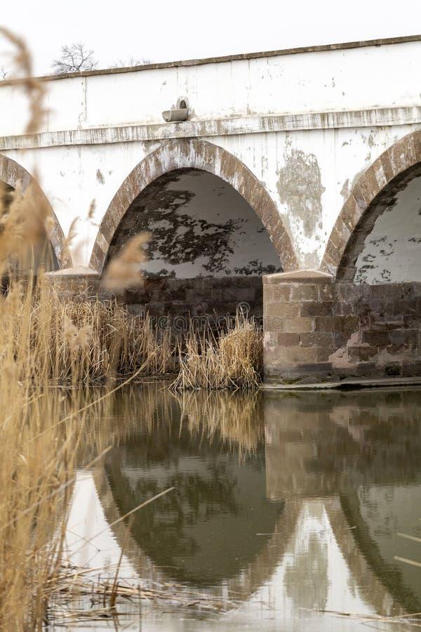puente Nueve-agujereado en Hungría imágenes de archivo libres de regalías