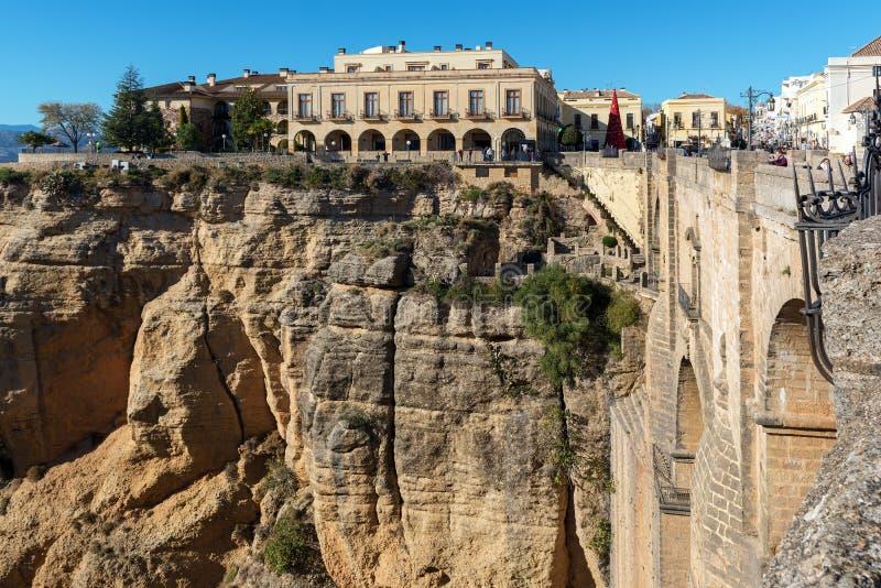 Puente Nuevo most i architektura stary miasteczko, jeden sławne białe wioski w Andalusia, Hiszpania zdjęcia royalty free