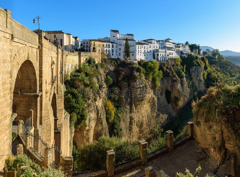Puente Nuevo most w Ronda, jeden sławne białe wioski w Andalusia, Hiszpania obrazy royalty free
