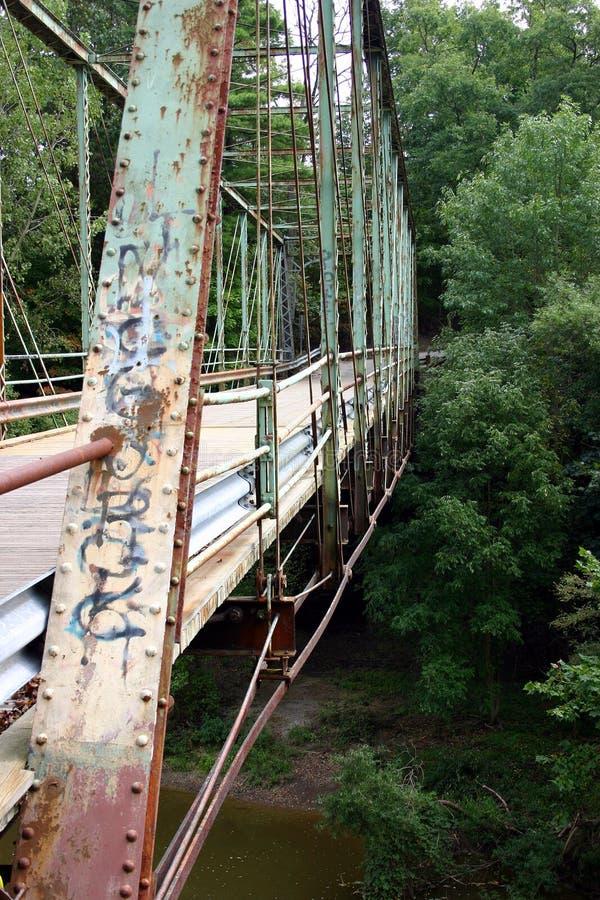Download Puente oxidado sucio foto de archivo. Imagen de afuera - 1277714