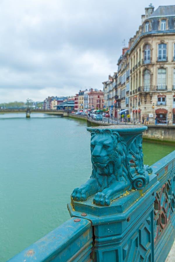 Puente Pannecau a través del río de Nive, Bayona fotos de archivo libres de regalías