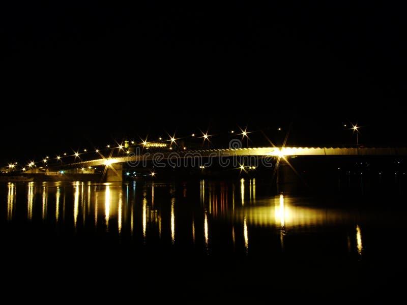 Puente por noche foto de archivo libre de regalías