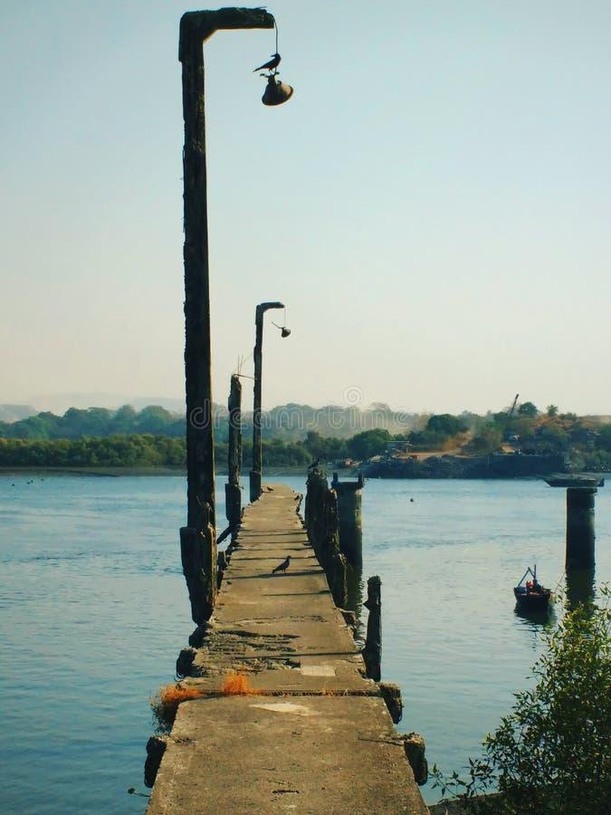 Puente quebrado fotos de archivo